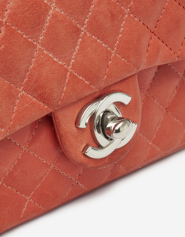 Chanel Timeless Extra Mini Lamb Red Saclàb