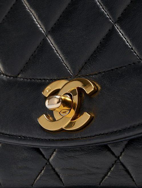 Chanel_Diana_Medium_Lamb_Black