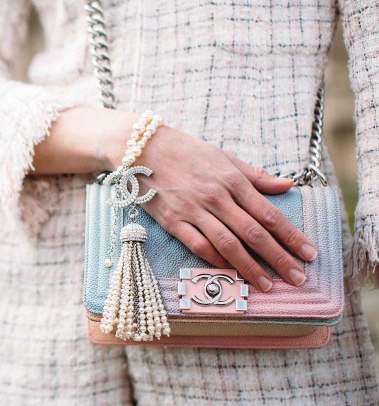Chanel Boy Bag Pink Blue Rainbow Streetstyle