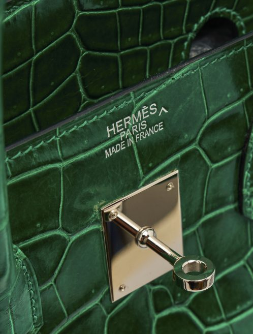 A pre-loved Hermès Birkin 35 Crocodile Porosus Vert Emeraude on SACLÀB