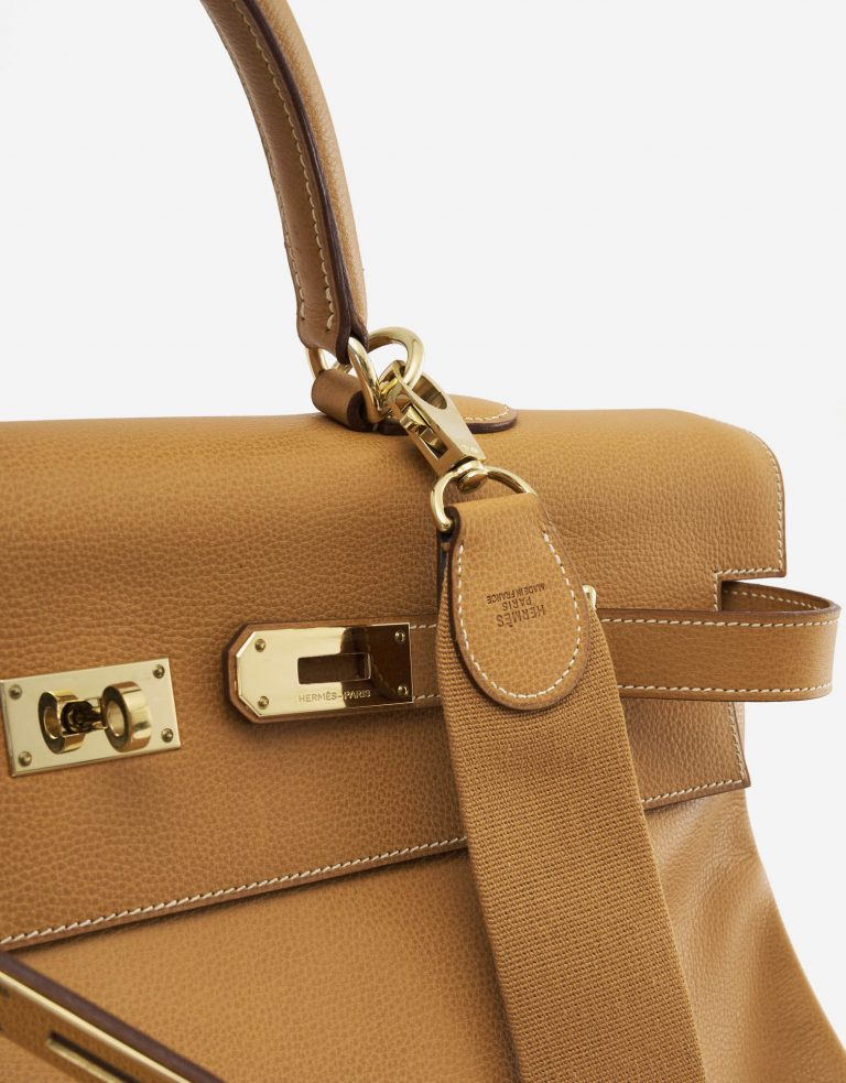 A pre-loved Hermès Kelly 50 Barenia Natural on SACLÀB