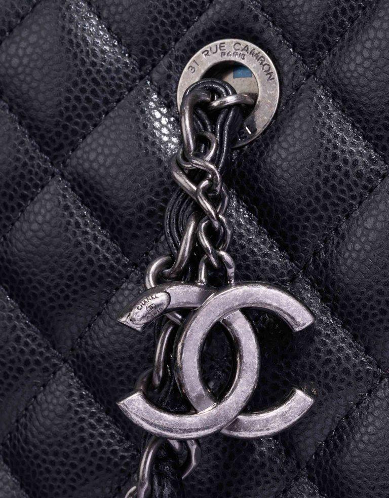 Chanel Shopper Medium Caviar Black