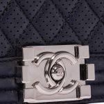 Chanel Boy Old Medium Lamb Blue Dark blue Closing System | Sell your designer bag on Saclab.com