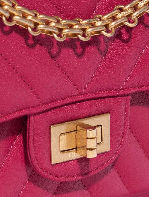 Chanel 2.55 Reissue 226 Calf Pink / Blue Blue, Dark blue, Pink Closing System | Sell your designer bag on Saclab.com