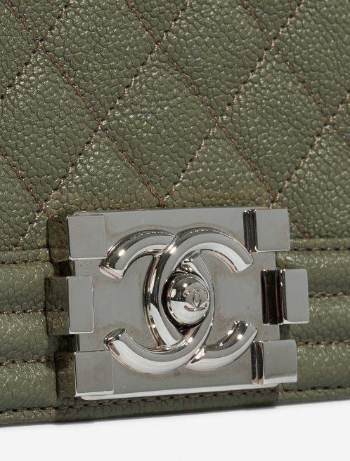 Chanel Boy Old Medium Caviar Khaki Green Closing System | Sell your designer bag on Saclab.com