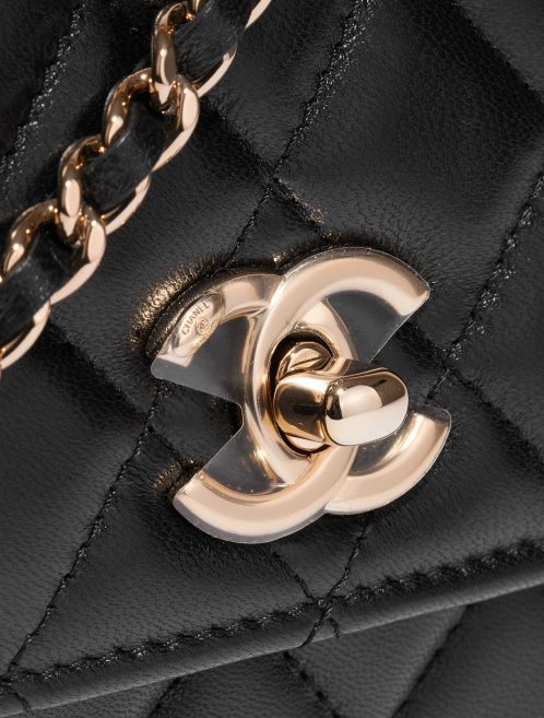 Chanel Clutch with Chain Lamb Black Black Closing System | Sell your designer bag on Saclab.com