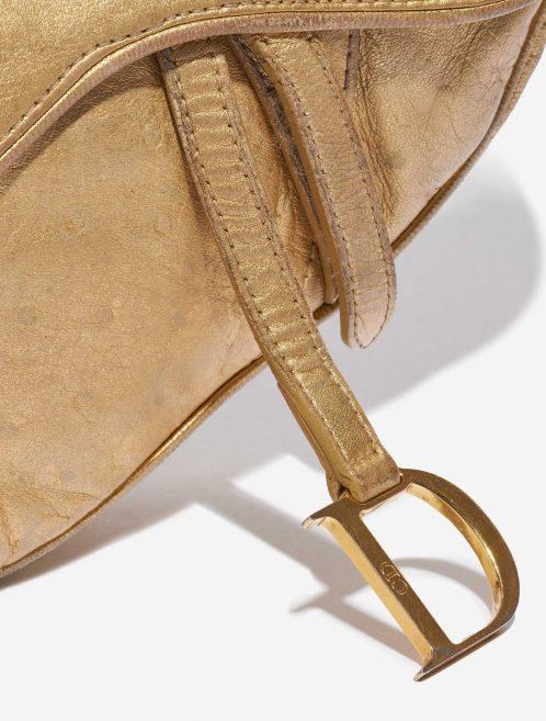 Dior Saddle Mini Ostrich Gold Gold Closing System   Sell your designer bag on Saclab.com