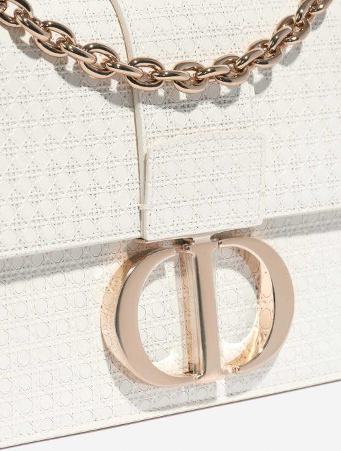 Dior 30 Montaigne Calf White White Closing System   Sell your designer bag on Saclab.com