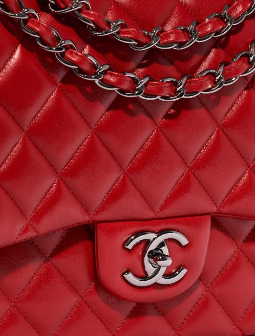 Chanel Timeless Maxi Lamb Red Red Closing System | Sell your designer bag on Saclab.com